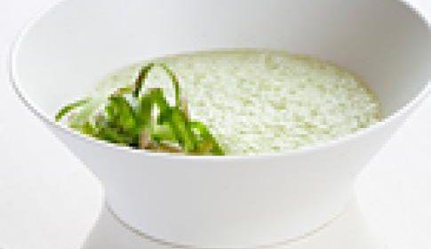 Puree van groene asperges met kabeljauw en sugarsnaps