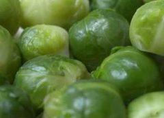 Koken met pen: 'Gesmoorde spruitjes met gekarameliseerde uien, spekjes en mosterd'