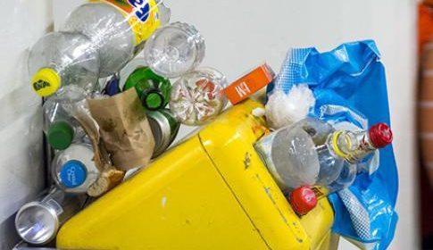 CDA wil afvalbakken terug in de stad