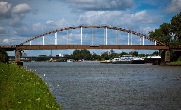 Lichaam gevonden in Amsterdam-Rijnkanaal even nabij Het Klooster