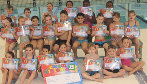 Afzwemmen voor het  B-diploma in Merwestein