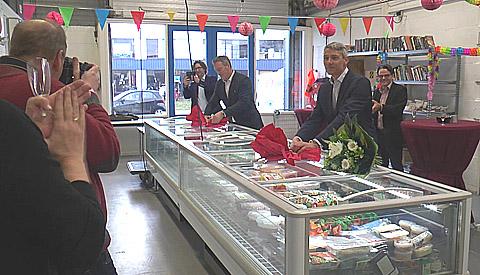 Voedselbank Nieuwegein-IJsselstein viert diverse geschenken van sponsoren