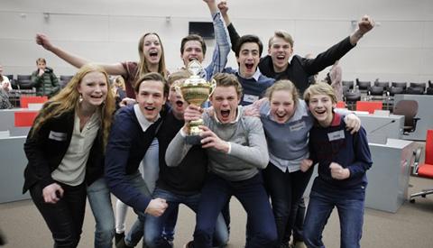 Anna van Rijn College en het Oosterlicht College niet door naar landelijke finale 'Op weg naar het Lagerhuis'