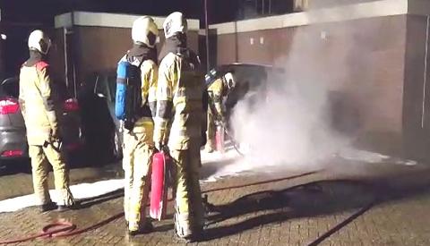 Video: Politie zoekt tips rond autobrand aan de Barnsteendrift