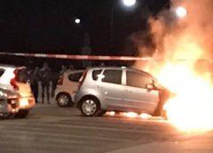 Twee auto's branden uit op de parkeerplaats nabij Klimcentrum op de Blokhoeve