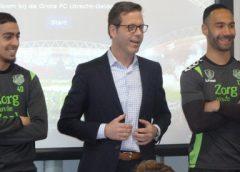 FC Utrecht speler Sean Klaiber bezoekt oude basisschool in Nieuwegein