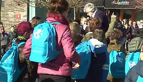 Leerlingen De Toonladder halen ruim 1.100,- euro op met 'Wandelen voor Water'