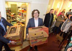 Video: Opening nieuwe locatie Kledingbank Nieuwegein