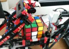 Robot die Rubik's Cube oplost een hit maar niet origineel