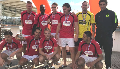 De Zandsnuivers uit Nieuwegein winnen NK Beach Soccer 2017 in Scheveningen