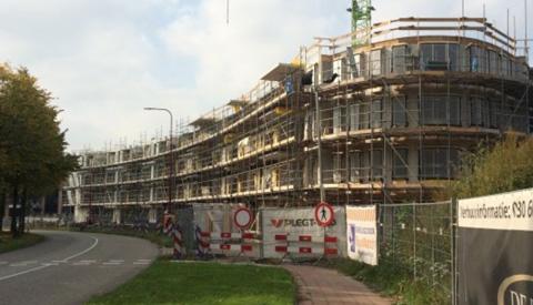 Start verhuur Van Nieuwenhuizen N.V. in de wijk Merwestein