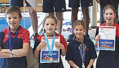 Veel medailles bij eerste schoonspringwedstrijd nieuw seizoen