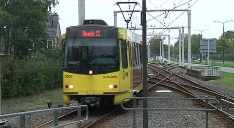 Man bedreigd met mes in tram, politie zoekt getuigen