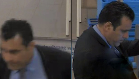 Video: Man in pak steelt pinpas in Nieuwegein