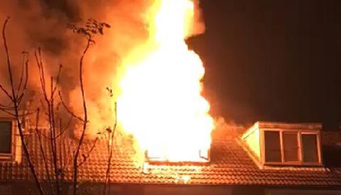 Grote zolderbrand op de Limperslaan in Jutphaas