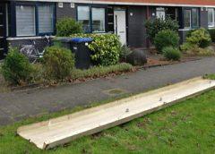 Dakplaat valt van woning door storm in Galecop