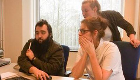 Studenten ICT College Nieuwegein maken zorgmedewerkers Careyn digivaardig