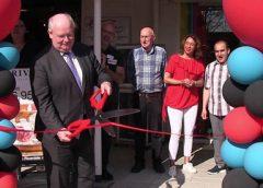 Video: Winkelcentrum Makado heropend door burgemeester Frans Backhuijs