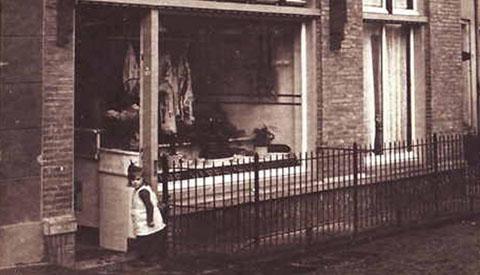 Toen & Nu: 'De Vleeschhouwerij aan de Dorpsstraat in Vreeswijk'