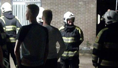 Bewoner aan de Kruyderlaan loopt brandwonden op tijdens blussen schuur