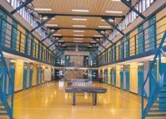 Gestoken gevangenismedewerker Nieuwegein nog in het ziekenhuis, collega weer thuis