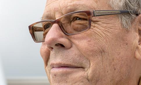Oud VSP raadslid Herman Troost (75) overleden