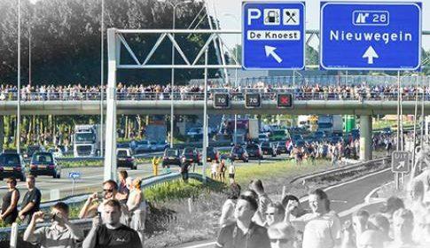 Nabestaanden volgen start proces MH17 in het NBC Congrescentrum in Nieuwegein