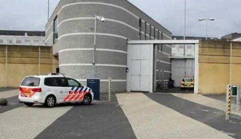 Twee medewerkers gewond bij steekincident in gevangenis Nieuwegein