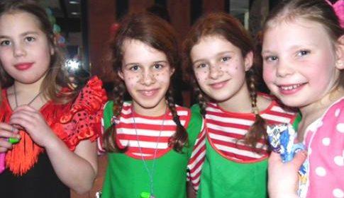 Kindercarnaval in Wijkhuis De Steeg