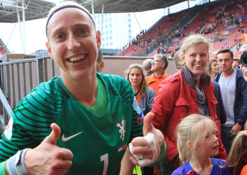 Topper Feyenoord-PSV with Sari van Veenendaal reside