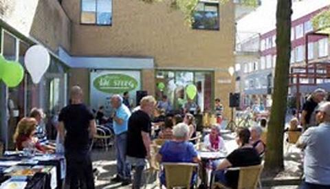 Spetterend feest in Fokkesteeg tijdens 'Fokkesteeg Fiësta'