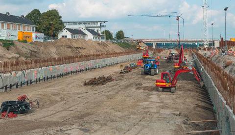 Hoe gaat het met de bouw van de derde kolk bij de Beatrixsluis