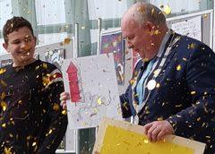 Video: Stijn Damen winnaar poster vuurwerkcampagne