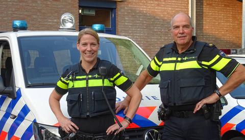 Op de borrel bij uw wijkagent van Jutphaas/Wijkersloot