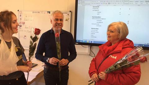 PvdA Nieuwegein zet stakende leraren in de bloemetjes
