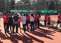 TV Rijnhuyse verzorgt tennislessen middelbare scholen