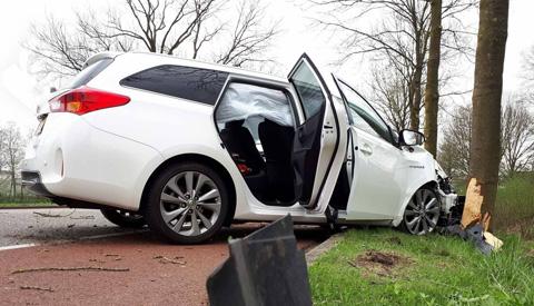 Drie gewonden bij eenzijdig ongeluk op de Vreeswijksestraatweg