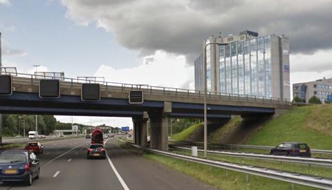 Man overlijdt na springen van viaduct in Nieuwegein