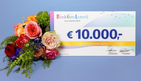 Inwoner uit Nieuwegein verrast met 10.000 euro van BankGiro Loterij