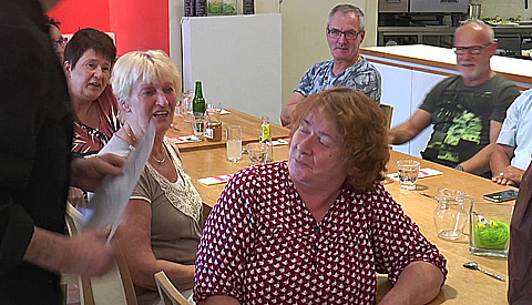 Video: 1.000e maaltijd in Buurtplein Batau