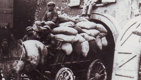 """Toen & Nu"""" 'Het maalbedrijf in de stoomkorenmolen De Batavier'"""