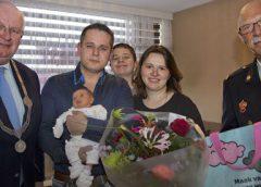 Burgemeester Backhuijs bezoekt eerstgeborene in oktober tijdens brandpreventieweken