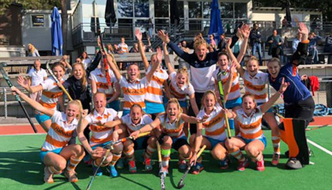 Dames A1 Mixed Hockey Club Nieuwegein (MHCN) naar de Play Offs