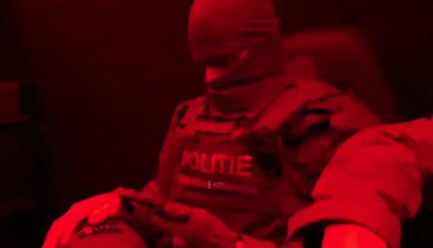 Video Update: Politie valt woningen binnen bij mogelijke Mocro-maffialeden