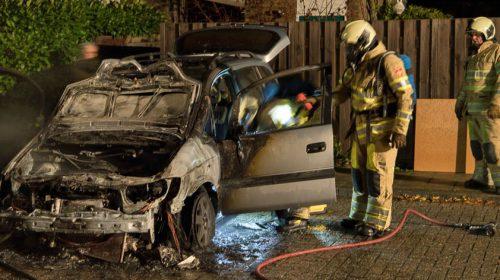 Verdachten van elf autobranden in Nieuwegein nu ook verdacht van ingooien ruiten bus
