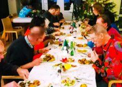 Geslaagd Kerstdiner voor alleenstaanden door D66 Nieuwegein