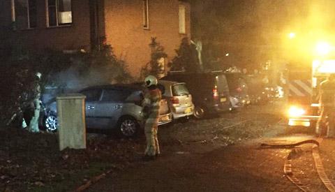 Nieuwegeinse vrouw krijgt jeugddetentie en jeugd-tbs voor 15 autobranden en 2 bekogelingen