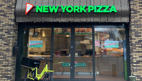 Feestelijke opening nieuwe vestiging New York Pizza op Hoog Zandveld