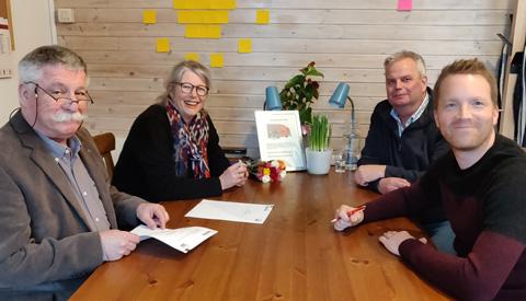 'La CaZa' en Stichting Wijknetwerk Fokkesteeg tekenen convenant