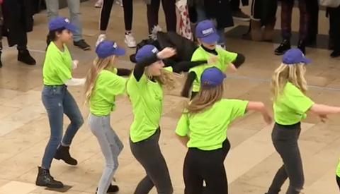 Flashmob in centrum Nieuwegein